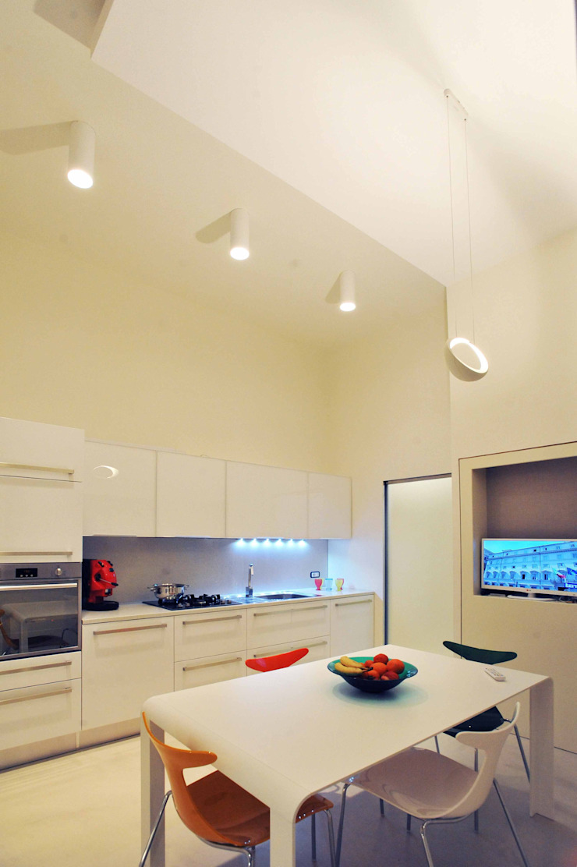 Interior Irsina_MATERA Cucina moderna di B+P architetti Moderno
