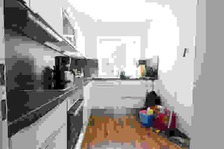 Modern kitchen by Luna Homestaging Modern