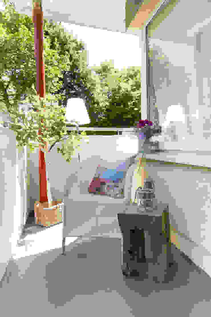 Balcones y terrazas de estilo moderno de Luna Homestaging Moderno