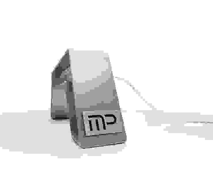 Lampada Tron di Studio MP Moderno