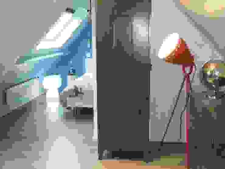 Espace de rangement Chambre d'enfant moderne par HOME feeling Moderne