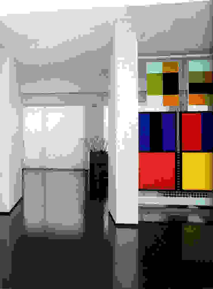 ATTICO CON GIARDINO – MILANO Case in stile minimalista di SERGIO PASCOLO ARCHITECTS Minimalista