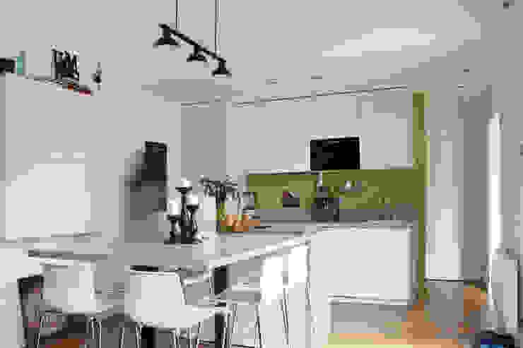 Cuisine Maisons modernes par BIENSÜR Architecture Moderne