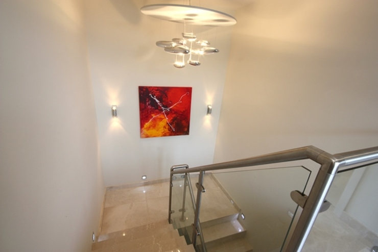 Lighting and Lighting Control Corredores, halls e escadas por Inspire Audio Visual
