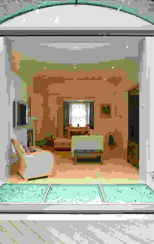 Belsize Park Modern living room by Hélène Dabrowski Interiors Modern