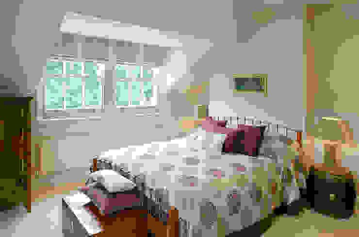 Belsize Park:  Bedroom by Hélène Dabrowski Interiors, Modern
