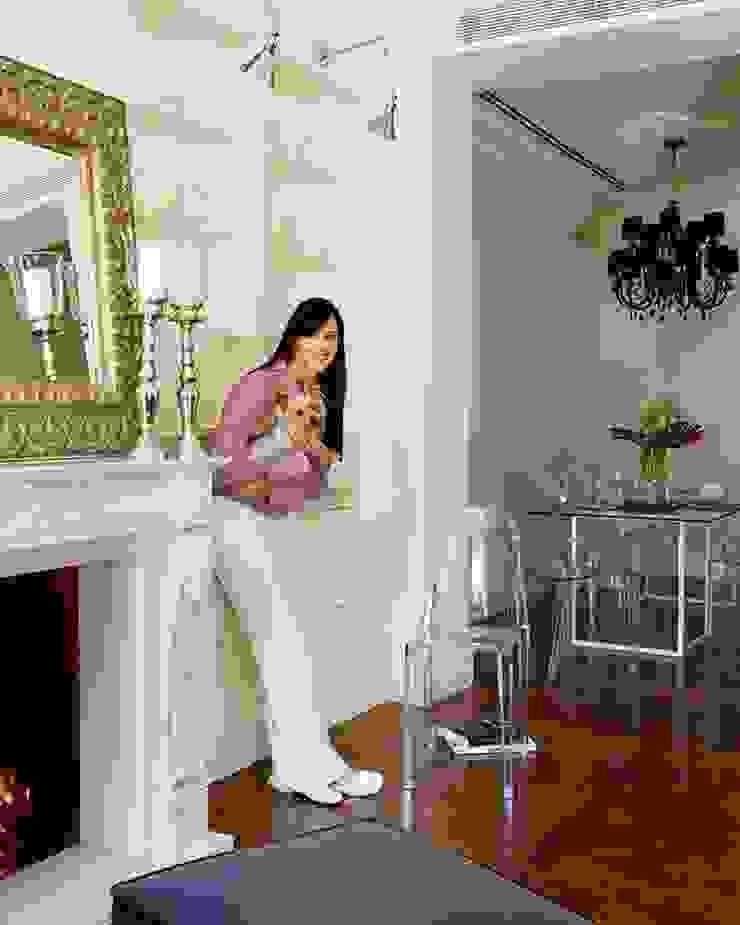 foto opportunity with LALA Casas de estilo clásico de nikohl cadeau interiors Clásico