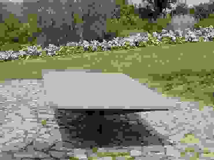 ping pong di CHRISTIAN THEILL DESIGN Moderno