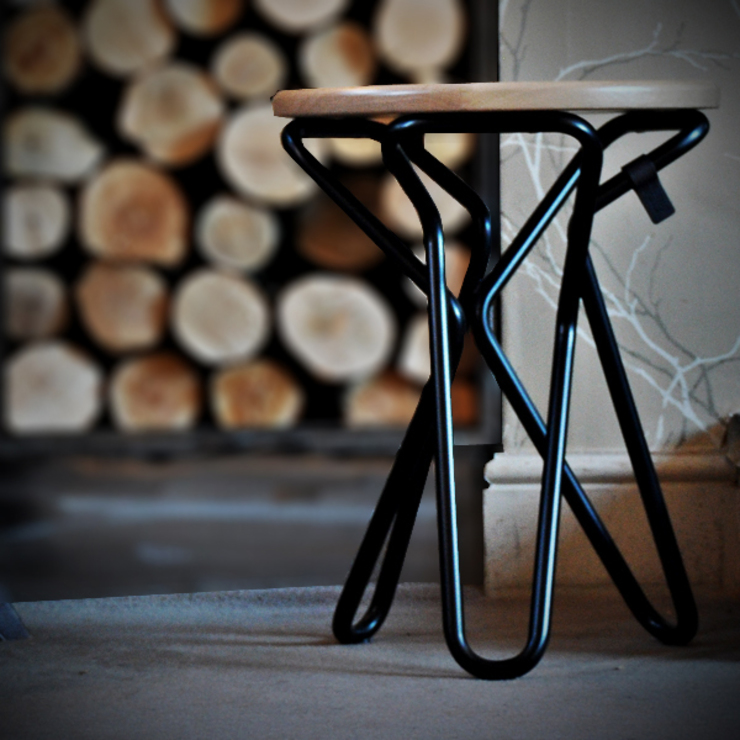 Olly stool: modern  by Decorum, Modern