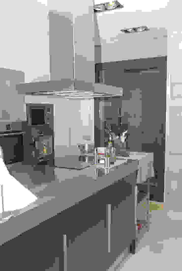 Case moderne di VETZARA 3 S.L. Moderno