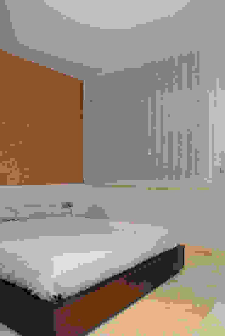 Casa en Premià de Mar 2008 Dormitorios de estilo moderno de VETZARA 3 S.L. Moderno