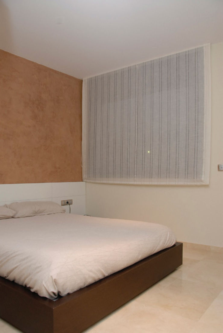 Camera da letto moderna di VETZARA 3 S.L. Moderno