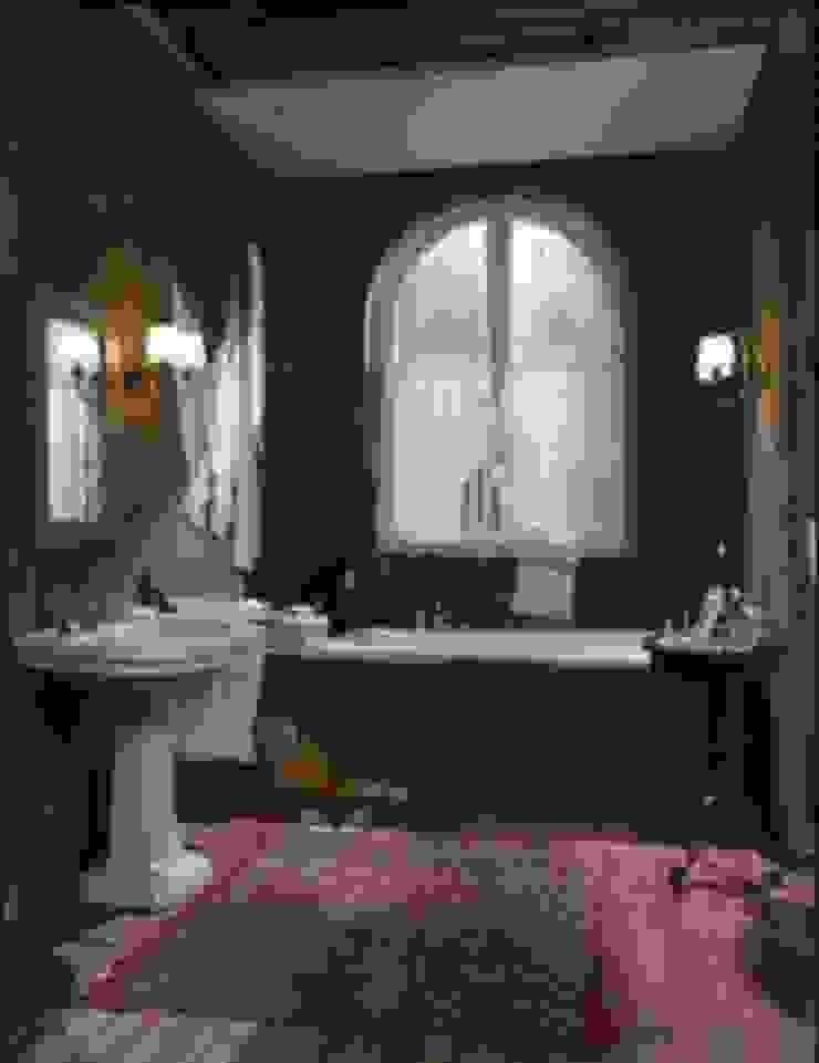 Trompe l'oeil bagno Bagno eclettico di INTERNO78.IT - DECORAZIONI D'INTERNI Eclettico
