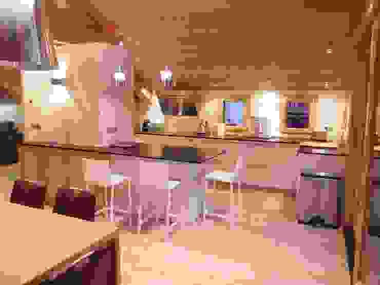 Cuisine Maisons modernes par DAI Création Moderne