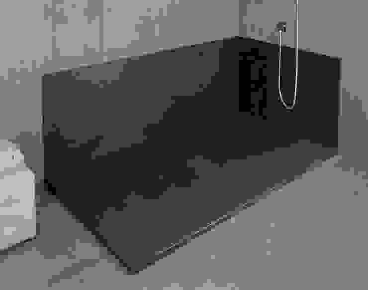 Sustituir bañera por plato de ducha Baños de estilo moderno de SERRANOS Studio Moderno