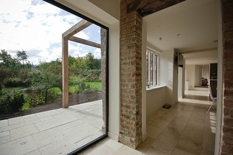 Paddock End Country style balcony, veranda & terrace by Seymour-Smith Architects Country