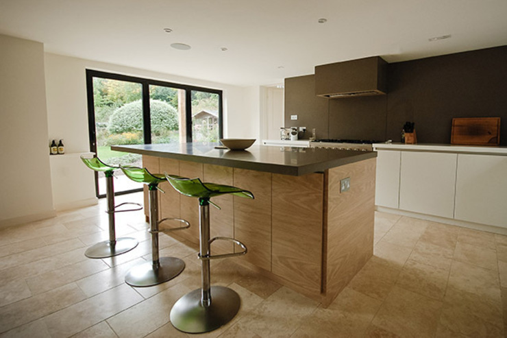 Paddock End Country style kitchen by Seymour-Smith Architects Country