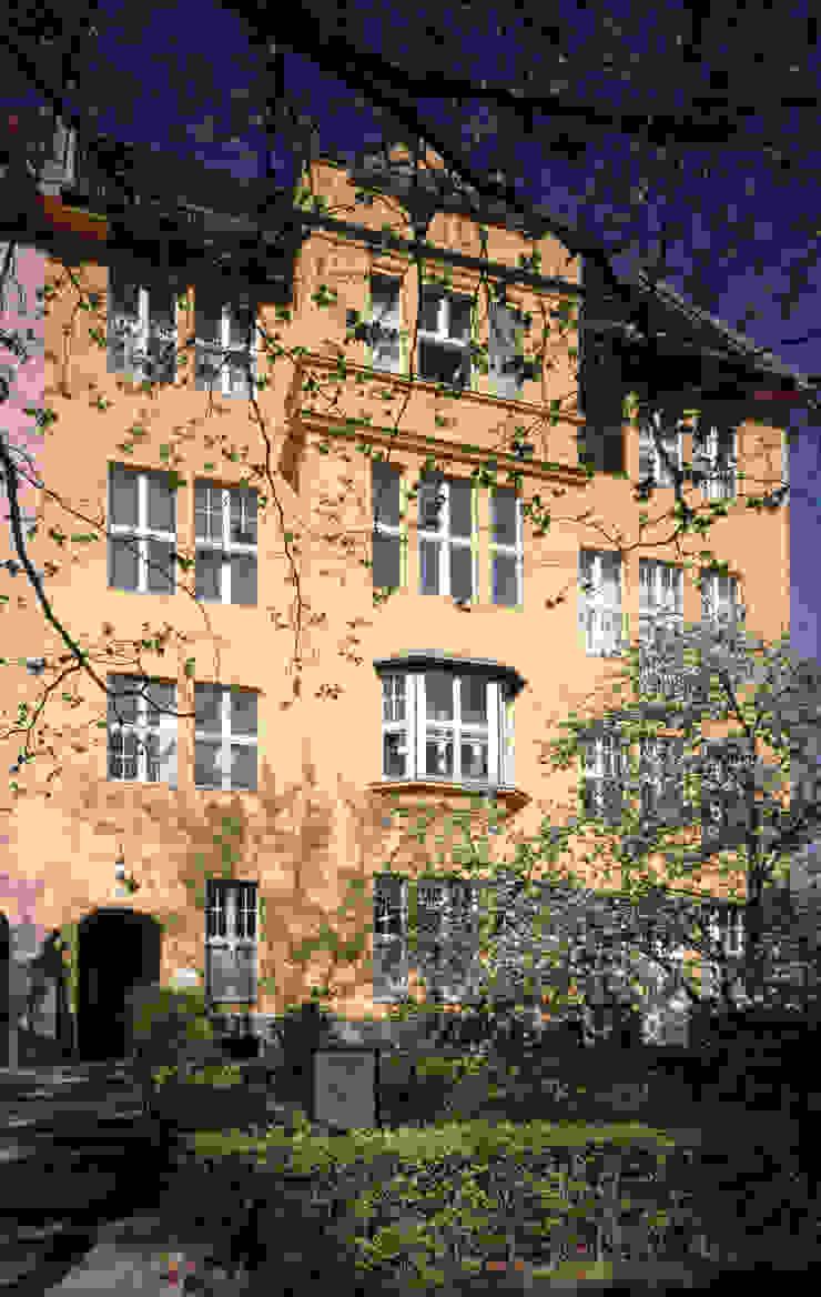 Casas de estilo colonial de Gabriele Riesner Architektin Colonial