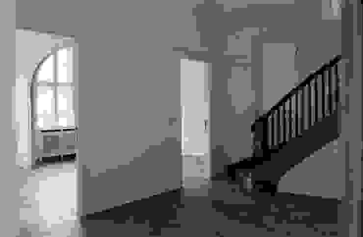 Salas de estilo colonial de Gabriele Riesner Architektin Colonial
