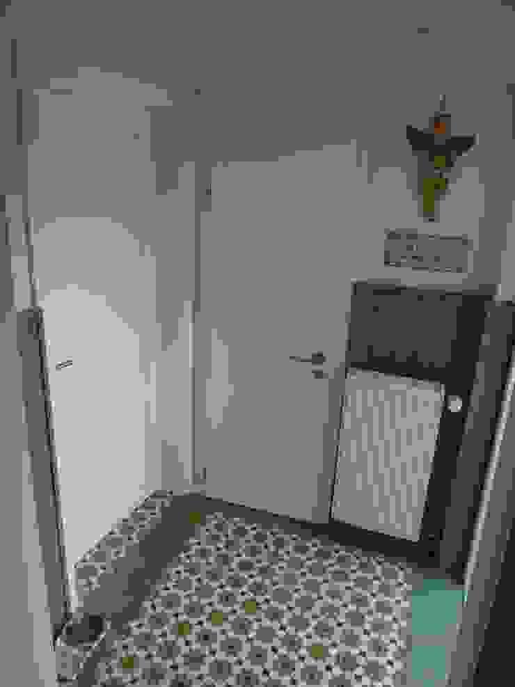 カントリースタイルの 玄関&廊下&階段 の neue innenarchitektur カントリー