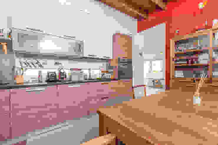 Cocinas de estilo industrial de Matteo Fieni Architetto Industrial