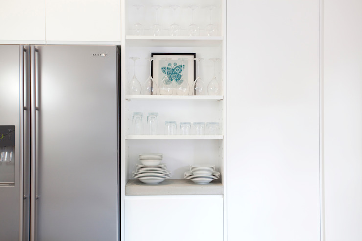 Clerkenwell WC1: Minimal Professional Home Increation Kitchen
