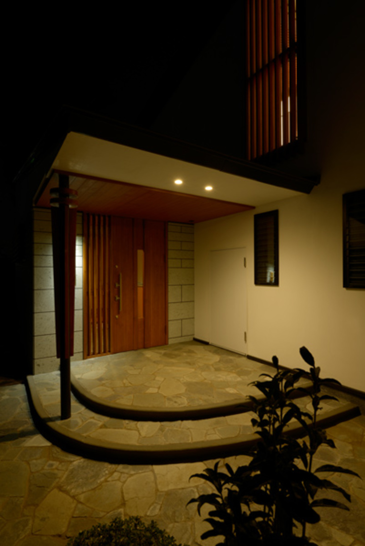 H2O設計室 ( H2O Architectural design office ) Rumah Klasik