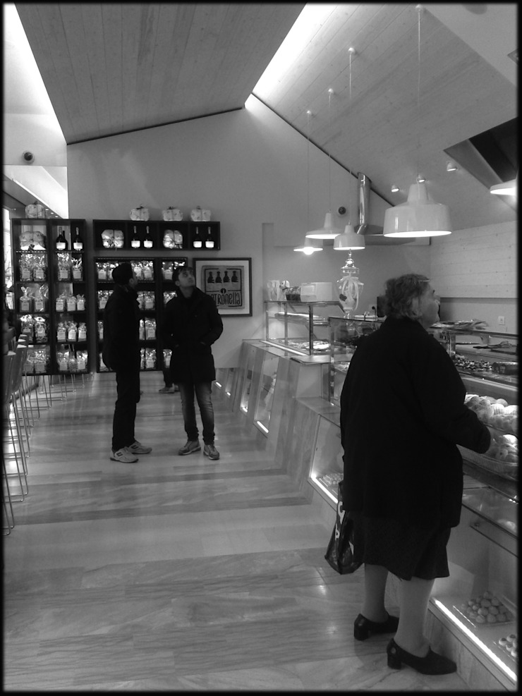 Panificio iPETRONELLA Negozi & Locali commerciali in stile mediterraneo di Pasquale Gentile Architetto Mediterraneo