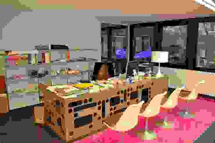 BUREAU Bureau moderne par DOGSIGN Moderne