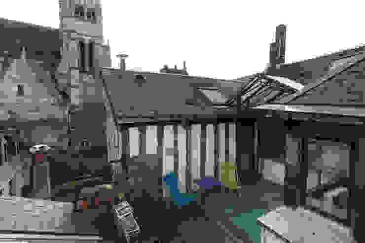 Eclectic style balcony, veranda & terrace by Christèle BRIER Architechniques Eclectic