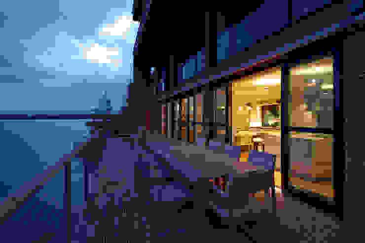 Lakes By Yoo 1 Balcony, veranda & terrace by Future Light Design