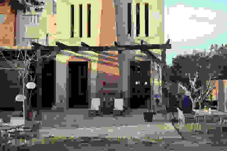 Fachada Balcones y terrazas de estilo mediterráneo de Anticuable.com Mediterráneo