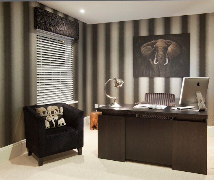 Design in Oxshott Case moderne di Designer Touches Ltd Moderno