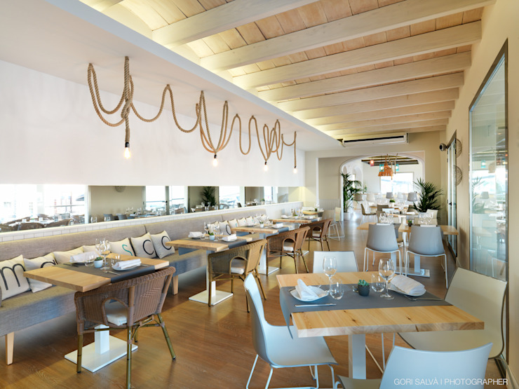 地中海風レストラン の margarotger interiorisme 地中海