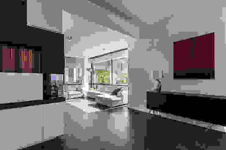 Entrance of the living Salas de estilo moderno de Studio 4e Moderno