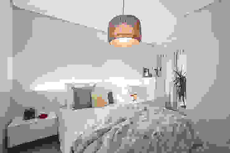 Dormitorios cálidos Casas de estilo moderno de Laura Yerpes Estudio de Interiorismo Moderno