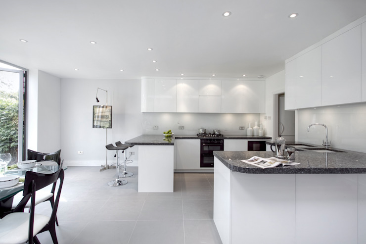 Muswell Hill N8: Contemporary light kitchen Classic style kitchen by Increation Classic