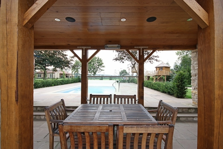 Outdoor Living Space by Inspire Audio Visual Eclectic
