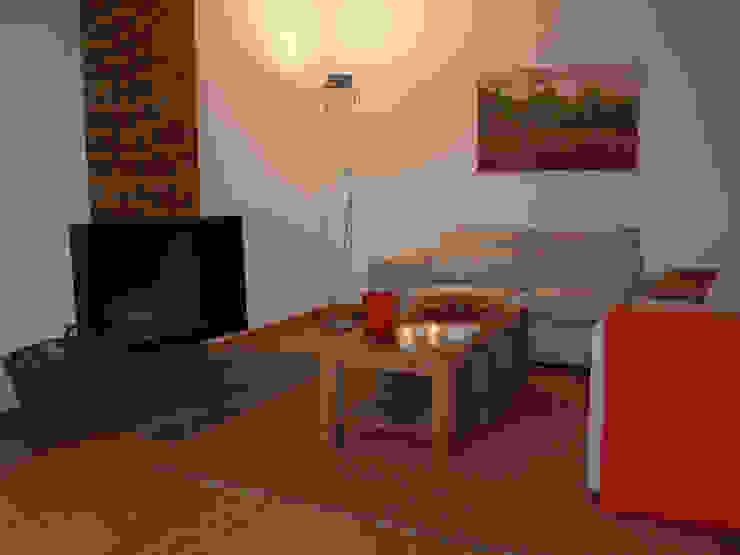 Nowoczesny salon od Raumpraesenz-Homestaging Nowoczesny