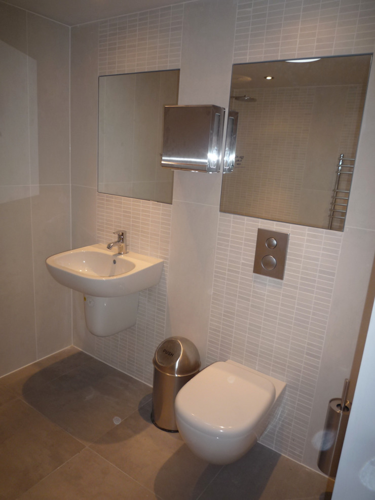 Barn Conversion Modern bathroom by Geoff Sellick Architectural & Interior Design Modern