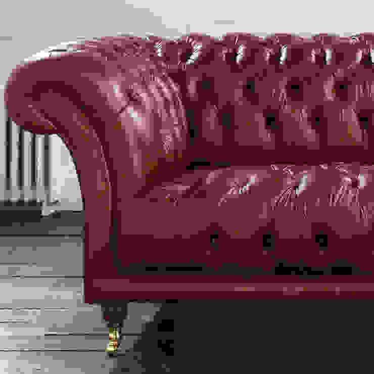 Divano Chesterfiled Modello 'Old Fashion' Made In England di LUCY retrò & chic Classico