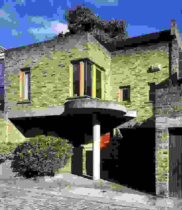 Mews House, Camden by Jeff Kahane + Associates