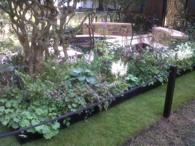 A Cool Garden Commercial spaces by Cool Gardens Landscaping