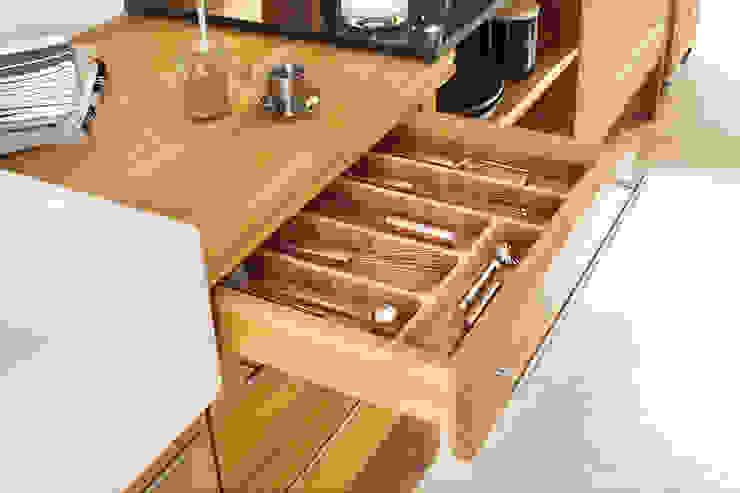 Massivholz Modul Landhaus Küchen von annex Gmbh & Co. KG Landhaus