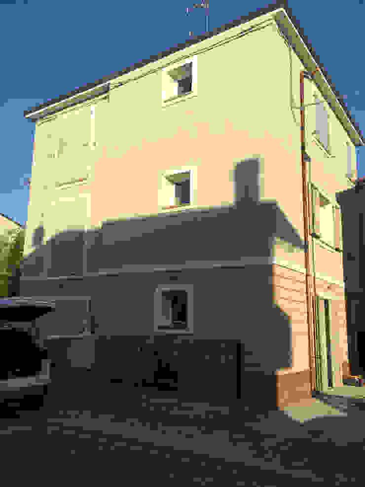 Ristrutturazione Edilizia in Ravenna di Andrea Agostini Architetto Moderno