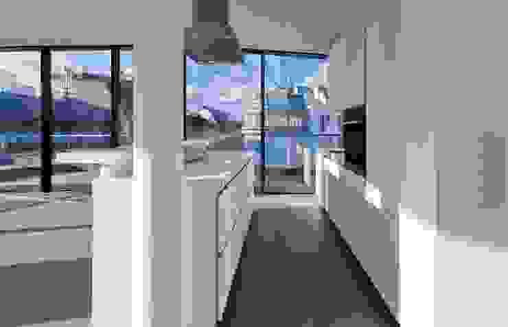 MG9 – Sanierung und Aufstockung Margaretenstraße 9 von Josef Weichenberger architects + Partner Modern