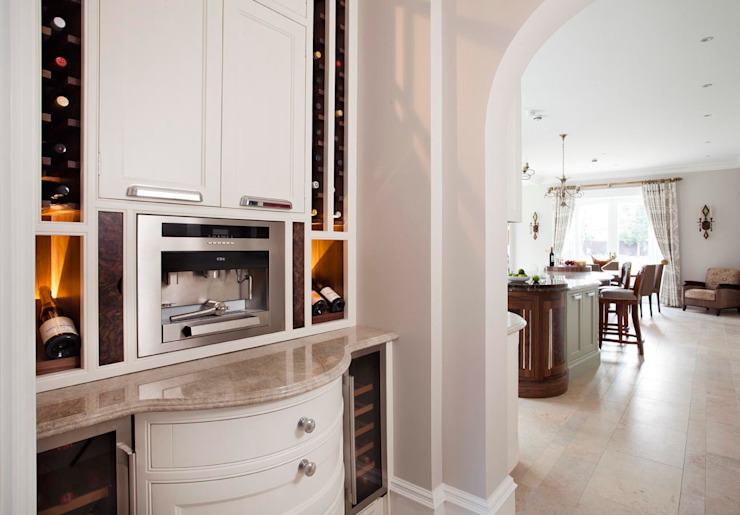 Elegance Classic style kitchen by Designer Kitchen by Morgan Classic