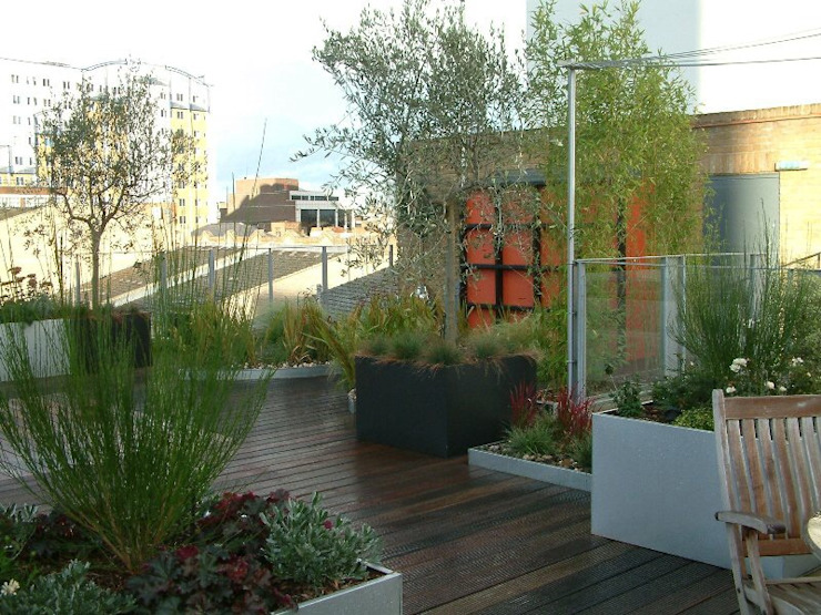 Garden In The Sky Industrial style garden by Cool Gardens Landscaping Industrial