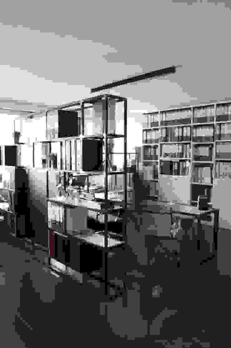 de SOA Spazio Oltre l'Architettura Moderno Hierro/Acero