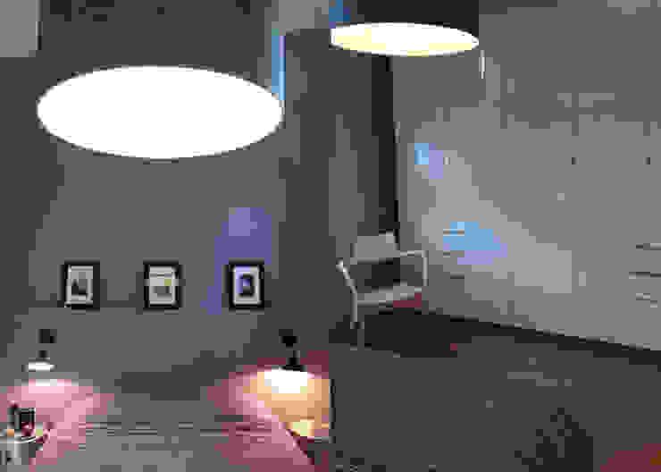 RELOOKING TENDANCE À ORVAULT Chambre moderne par UN AMOUR DE MAISON Moderne